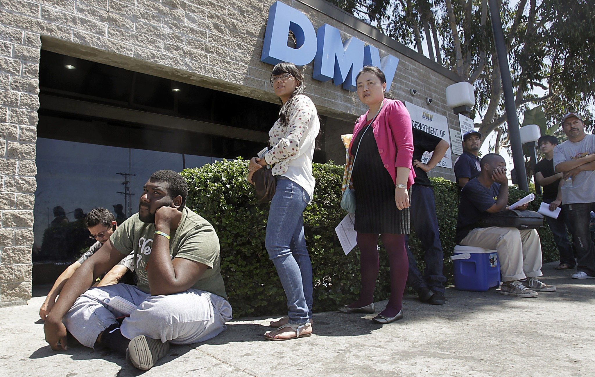 The 10 worst dmv offices in california automating for Department of motor vehicles in sacramento